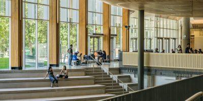 Comment les universités peuvent utiliser l'analyse des données pour améliorer les stratégies d'inscription